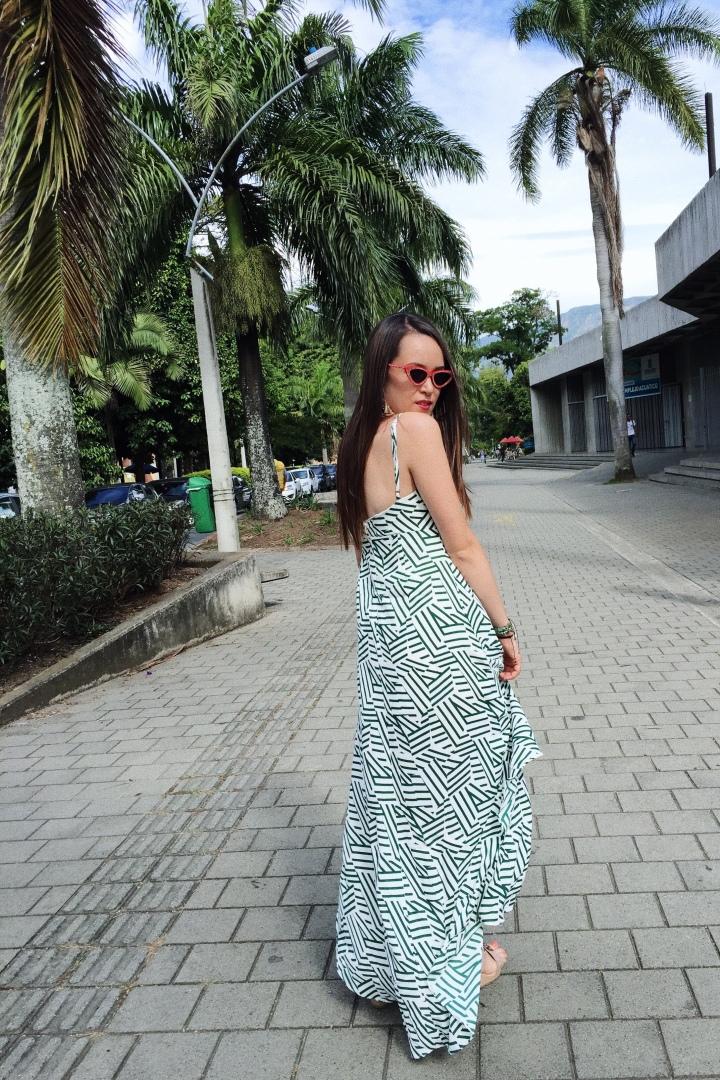 Vestido largo: una prenda femenina yversátil